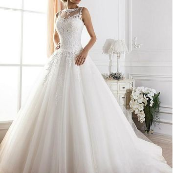[179.99] Glamorous Tulle Jewel Neckline Ball Gown Wedding Dress With Lace Appliques - dressilyme.com