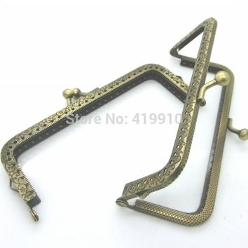 Free Shipping-2PC Metal Metal Frame Kiss Clasp Lock Handle DIY Handmade For Purse Bag Parts Accessories Antique Bronze J2611