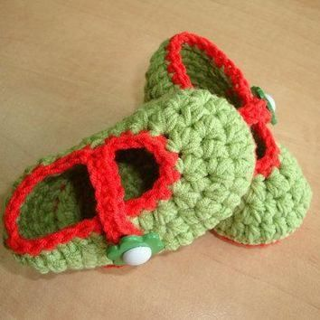BABY BOOTIES - childrens shoes - baby shoes - green shoes- green booties- green and re