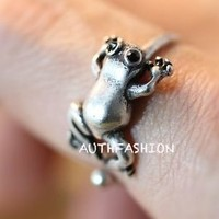 Adjustable Little Frog Ring Unique Animal Funny Ring Jewelry Free Size gift idea