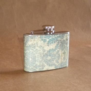 Distressed Vintage Looking Blue and Cream Damask Print Bridal Party Birthday Stainless Steel 4 ounce Hip Flask