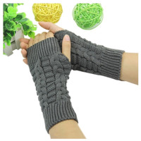 Short Knitted Gloves