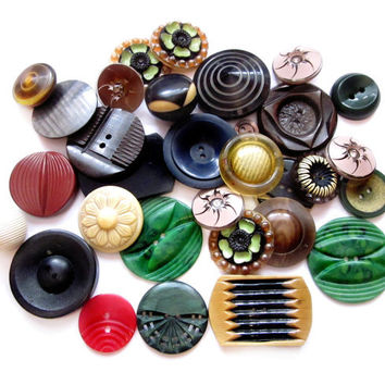 Fancy Vintage Art Deco Plastic / Celluloid Button Lot
