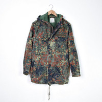 80s Military Camouflage Hooded Parka Jacket. Unisex Outerwear