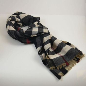 VONE05 LAST One! Burberry $450 Signature Reversible 100% Wool Check Scarf
