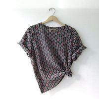 vintage boxy top. short sleeve top. abstract print. geometric shirt.