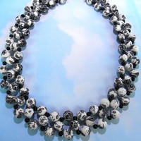 White and Black Spotted Acrylic Beaded Necklace Set by Complimentz