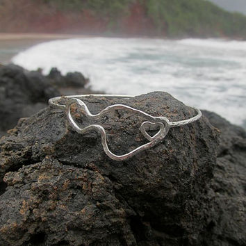 Maui Bangle, Sterling Silver Heart, Hammered Bracelet, Island Style, Surfer Girl, Hawaii Beach Jewelry, Summer Fashion