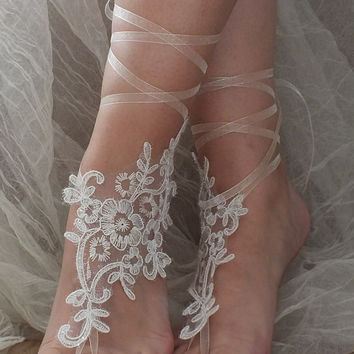 ivory Beach wedding barefoot sandals, Lariat sandals, Lace sandals, bridal anklet, bridal sandals
