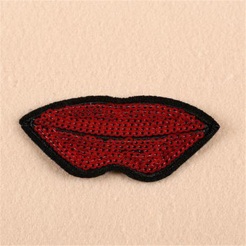 Hot sale women/men/boy/girl clothes embroidery red lips patch fashion sequins logo iron on patches for clothing stick fabric