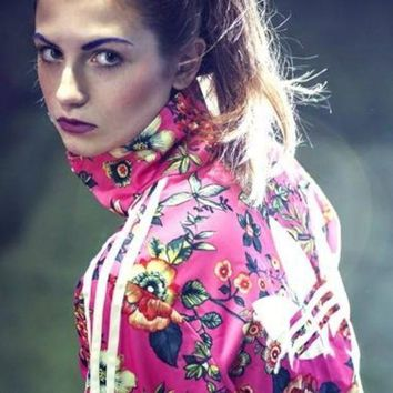 ICIKH3F adidas Originals Zip Front Tracksuit Top In Floral Print