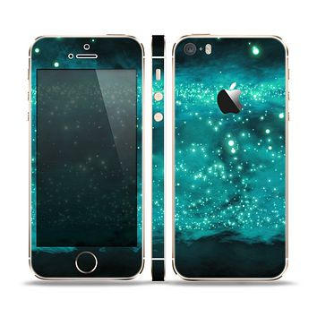 The Trendy Green Space Surface Skin Set for the Apple iPhone 5s