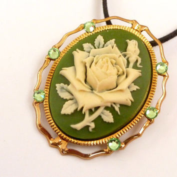 Noble brooch / necklace in green gold with beautiful roses cameo, vintage brooch, necklace Rose, Rose brooch, baroque jewelry