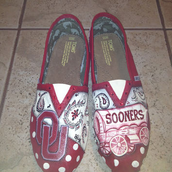 Oklahoma University hand painted TOMS