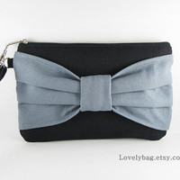 SUPER SALE - Black with Gray Bow Clutch - iPhone 5 Wallet, iPhone 5 Purse, iPhone 5 wristlet, iPhone Bag, iPhone Clutch, Cell Phone Wristlet