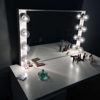 XL Vanity mirror with Hollywood lighting. (bULBS nOT iNCLUDED)