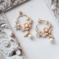 Pearl and Rhinestone Earrings with Floral Details Matching Hair Piece for Bride Bridesmaid Mother of Bride Groom