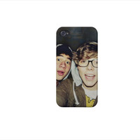 Ashton Irwin and Calum Hood iPhone 4/4s/5 & by harrysfirstwife