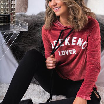 Weekend Lover Graphic Sweatshirt (Burgundy)