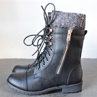 the laced up combat sweater boots - black