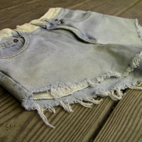 Distressed Bleached Highwaisted Boyfriend Shorts (1030)