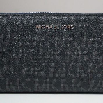 Michael Kors Jet Set Signature Black Large Clutch Travel Zip-Around Wallet
