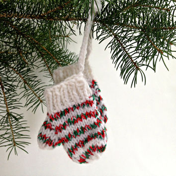 Christmas ornament, hand knit mittens, holiday ornaments, christmas decor, tree decoration, christmas decoration, xmas ornaments, xmas tree