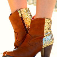 I'M WALKING ON SUNSHINE BOOTS