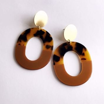 Pearl and Ivy Studio - coco earrings - tortoise / bronze
