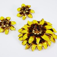 Enamel Flower Brooch & Earrings Set Yellow and Brown Lazy Susan Flowers Rhinestone Center Shaggy Daisies Vintage 1950s 1960s Floral Jewelry