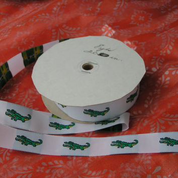 Green Alligator Jacquard Ribbon, Florida Gaters, Wide Width, A Sturdy ribbon that holds up well. Lovely white satin like background.