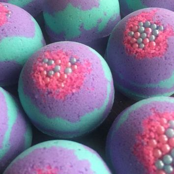 PEAPVA6 Smelly Belle Bath Bombs
