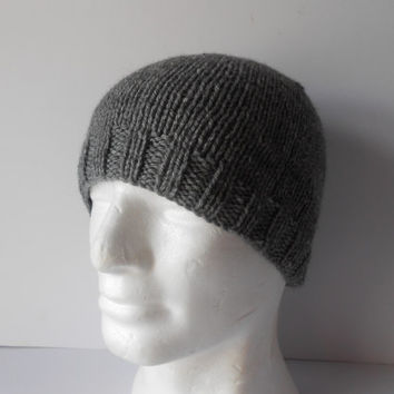 Hand knit grey beanie hat. Christmas Gift.  Men's knitted gray hat, Guy's beanie hat, Knitted toque hat . Grey watch mans cap, Beanie cap.