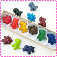 KIDS' DINOSAUR CRAYONS - Coloring Party Favors - Set of Six (6) - Eco-Friendly Toys in Red, Yellow, Green, Orange, Etc. - Free Gift Box