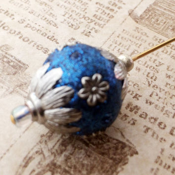 Fancy Victorian hat pin blue and silver bead golden tone hatpin