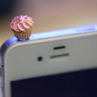 Kawaii PINK CUPCAKE Iphone Earphone Plug/Dust Plug - Cellphone Headphone Handmade Decorations