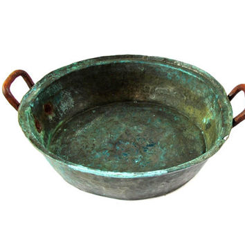 Rustic copper. Farmhouse kitchen. Copper kitchen. Verdigris. Rusty metal. Rustic planter. Copper pan with rusty iron handles. Vintage
