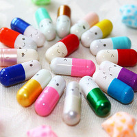 50Pcs Message in a Bottle Capsule Letter Cute Love Friendship Half Color Pills T