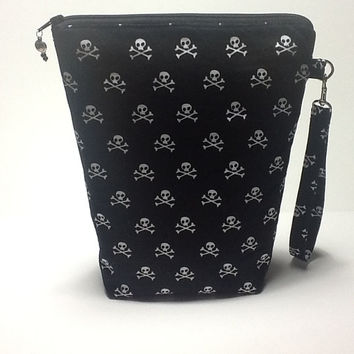 Quilted Skull and Crossbones Print Project Bag, Tall Black Crochet Bag, Knitting Project Pouch, Quilted Wristlet, Quiltsy Handmade