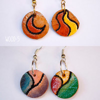 Pyrographed Wood Earrings -Woodburning- Small Round earrings with diferent abstract pattern on each side-Boho Chic Earrings