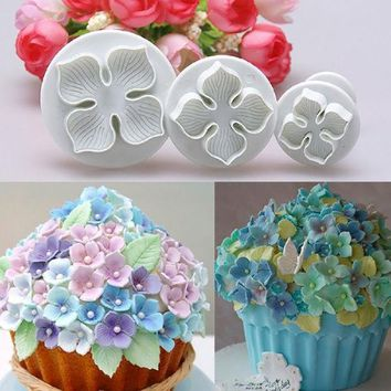 DCCKL72 3pcs/set Home DIY Bakeware Flower Plunger Cutter Molds Embossed Stamp For Fondant Cake Cookie