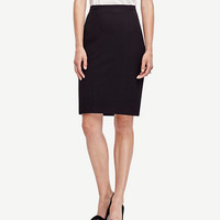 All-Season Stretch Seamed Pencil Skirt | Ann Taylor