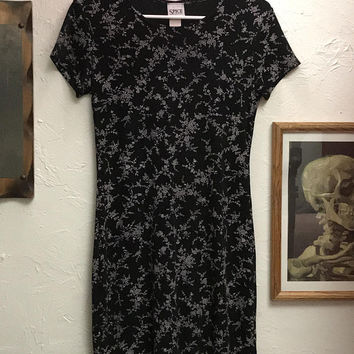 Vtg 90s Spice Clothing Mini Dress / Black White All Over Tiny Flower Print / Sleek Stretchy Floral Skater Dress / Short Sleeve Scoop Neck
