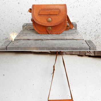 Vintage Vegetable Hand Tooled Tan Brown Leather Shoulder Bag // Leather Purse // Vintage Handmade Bag //