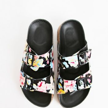 Qupid Laudy-05 Buckle Floral Footbed Sandals | MakeMeChic.com