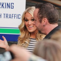 Arriving at Rogers Arena, Vancouver - 04/10/2012 - gallery enlarged-carrie-underwood-rear-view-shot-003 - Carrie-Photos.com    Biggest Carrie Underwood Photo Gallery