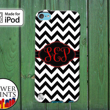 Black White Chevron Pattern Cursive Custom Monogram Initials for iPod Touch 4th Generation and iPod Touch 5th Generation Gen Plastic Rubber