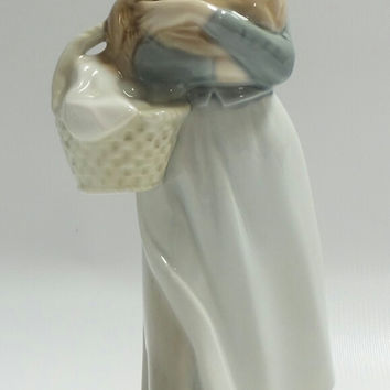 "Retired Lladro ""Girl with Cockerel"" Porcelain Figurine #4591"