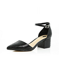 Black block heel pointed shoes