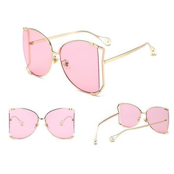 2018 Luxury Brand Cat Eye Women Sunglasses Pearl Decoration Legs Fashion Square Sun Glasses Ladies Gradient Clear Shades UV400